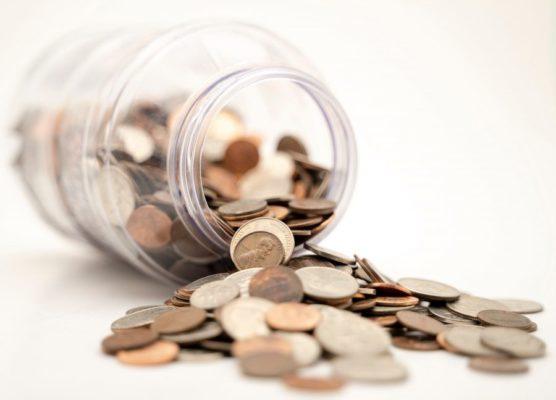 瓶とコイン